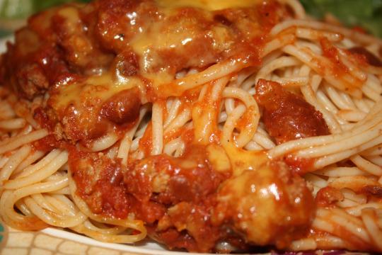 Chili Spaghetti (aka Cincinnati Chili) | TastingSpoons