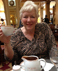 carolyn_in_Paris_Angelinas_hot_chocolate_200