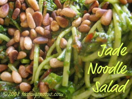 noodle salad (cold) with spinach jade sauce