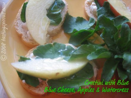 crostini with blue cheese, mascarpone, watercress, apple and honey drizzle