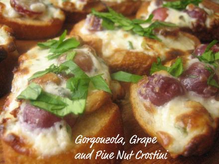 gorgonzola-crostini