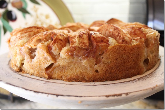 apple_cake_whole