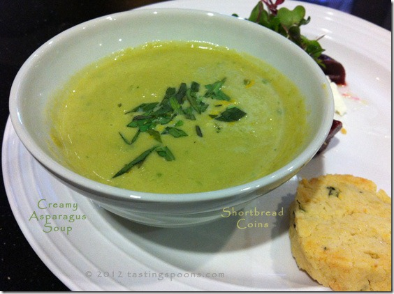 creamy_asparagus_soup_tarragon