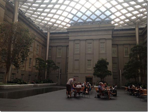 smithsonian_art_museum_atrium