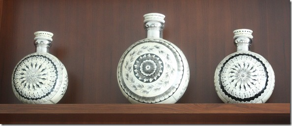 ceramic_bottles_dubai_hotel