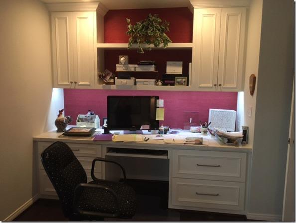 study_desk_wall