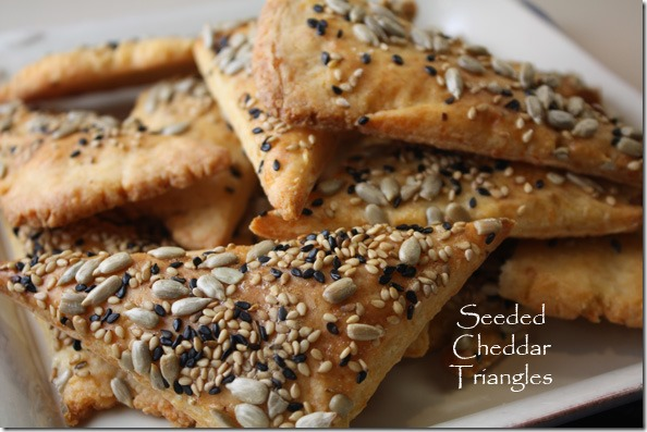 seeded_cheddar_triangles_crackers