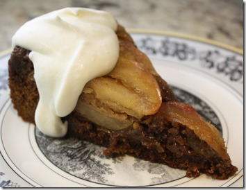 apple_gingerbread_cake_slice