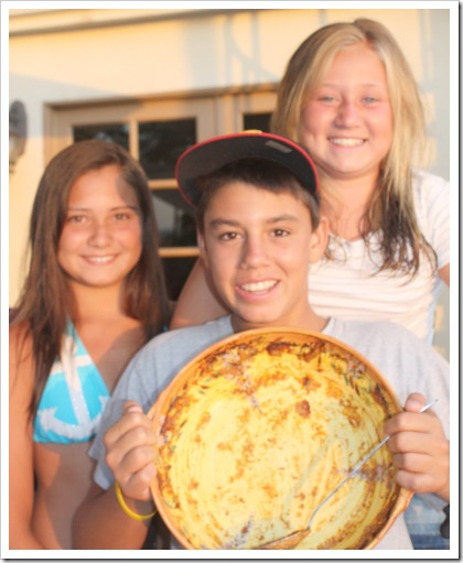 kids with bowl