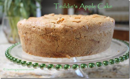 teddies-apple-cake