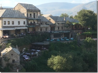 mostar_restaurants_on_river