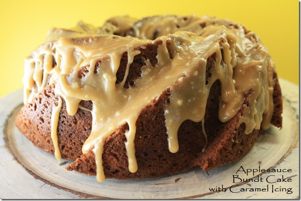 applesauce_bundt_cake_caramel_icing