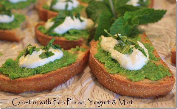 crostini_pea_puree_yogurt_mint