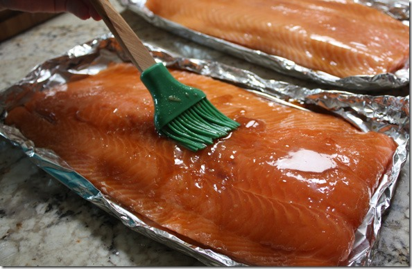 taku_grilled_salmon_basting