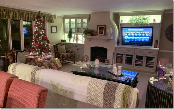christmas_family_room